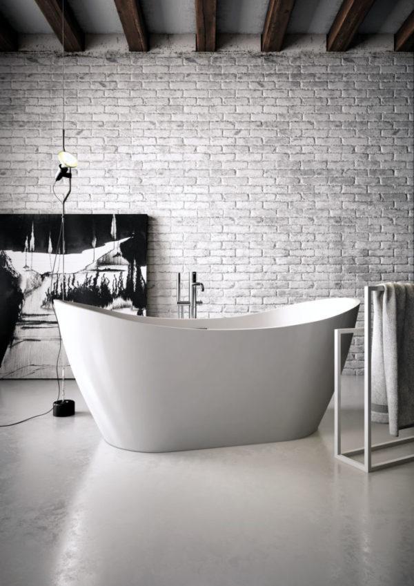 Vela Freestanding Bath